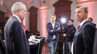 Alexander van der Bellen i Norbert Hofer en un dels debats de la campanya