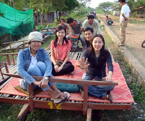 cambodian-norry-railcar-02.jpg