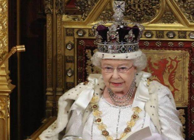 Σοκ: Η Βασίλισσα Ελισάβετ μίλησε για παγκόσμιο πόλεμο και «έσχατους καιρούς»: «Nα πείτε αντίο σε όσους αγαπάτε»