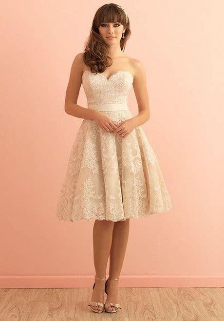 Dress to go to a wedding
