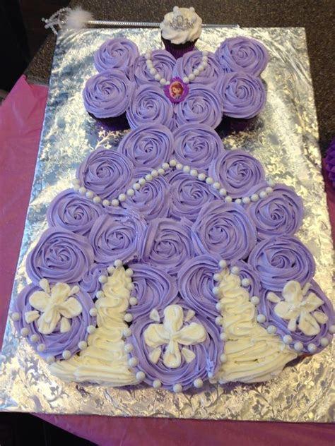 Best 25  Princess Sofia Cake ideas on Pinterest   Princess