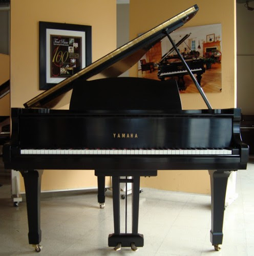 Review Yamaha G2 Grand Piano
