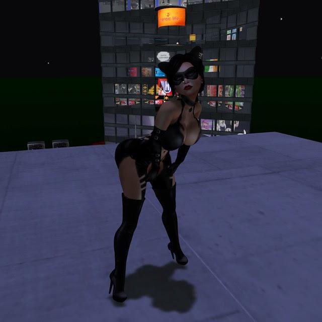 Megan Fux Catwoman 1024x1024