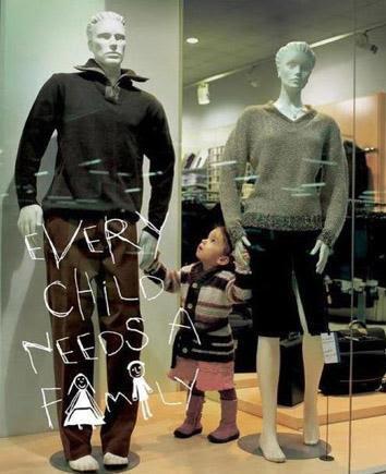 """""""Toda criança precisa de uma família"""""""