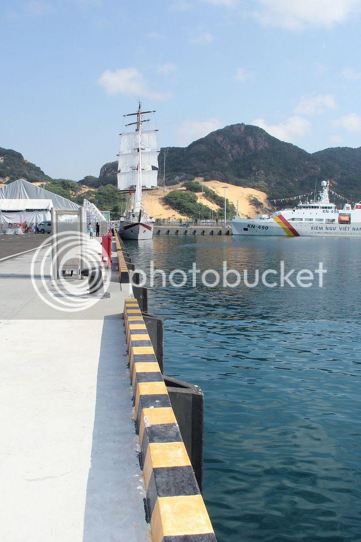 'Cận cảnh' Cảng Quốc tế Cam Ranh - ảnh 10