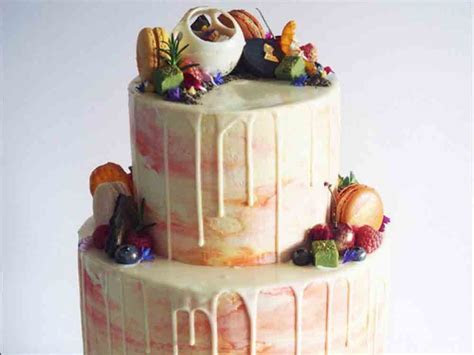 Drip Cakes   the hot new wedding cake trend