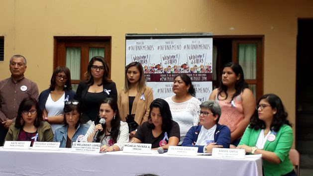 Conference given by women's collectives in Peru on Nov. 25, 2017 in the Flora Tristán Centre to announce the march for the International Day for the Elimination of Violence against Women. The centre's director Liz Meléndez is holding the microphone. Credit: Mariela Jara / IPS