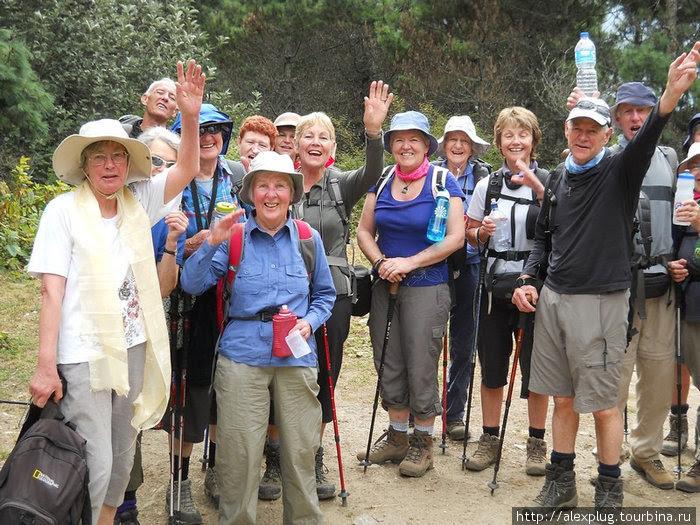 Картинки по запросу фото японские пенсионеры путешествуют