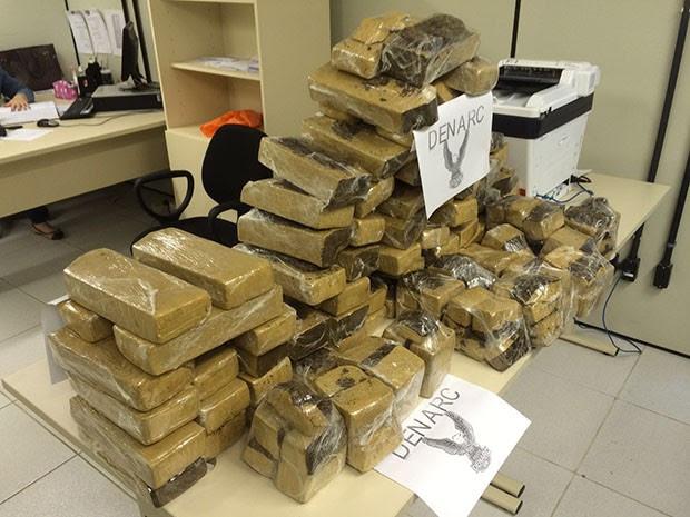 Droga estava em uma casa no bairro Passagem de Areia (Foto: Divulgação/Polícia Civil do RN)