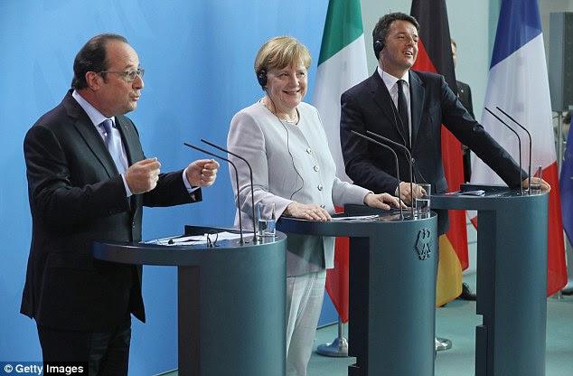 I ministri degli esteri di Francia e Germania si dice che hanno elaborato un progetto per una 'superstato europeo' come leader Francois Hollande (a sinistra) e Angela Merkel (al centro) hanno incontrato il primo ministro italiano Matteo Renzi (a destra) questa sera per i colloqui di crisi dopo il Brexit votazione