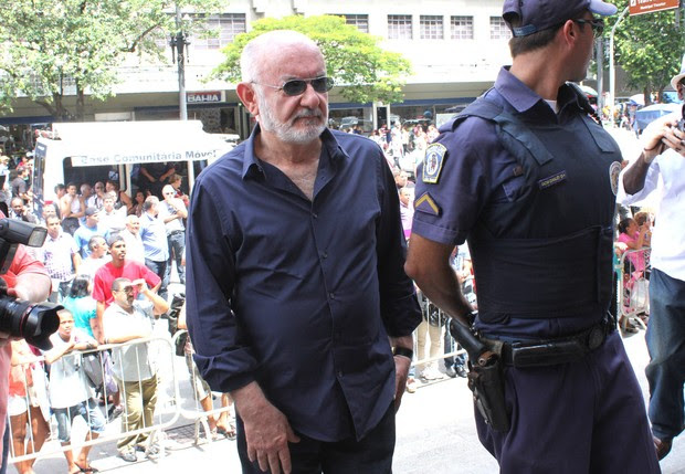 Silvio de Abreu no velório do ator Paulo Goulart (Foto: Celso Tavares/EGO)