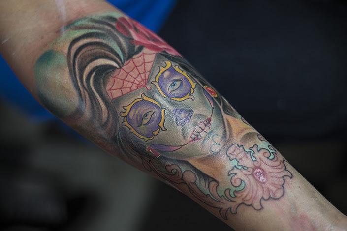 Tatuajes Con Colores Para Cada Tono De Piel Dolor Dulce Dolor