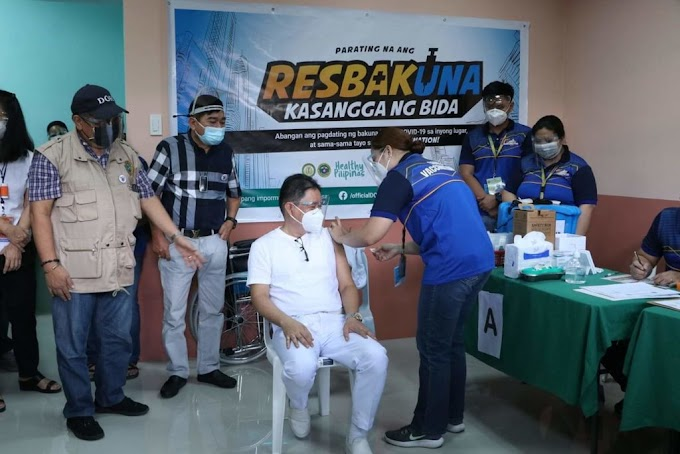Mayor Malapitan joins COVID-19 vaccination rollout in Caloocan City