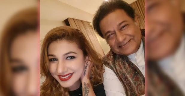 All's Well Between Jasleen Mathura and Anup Jalota, Pose Together For A Picture