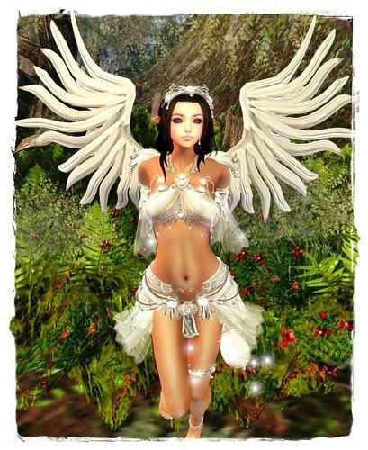 Fantasy Faire - **Angelwing** Petite Battle Fairy