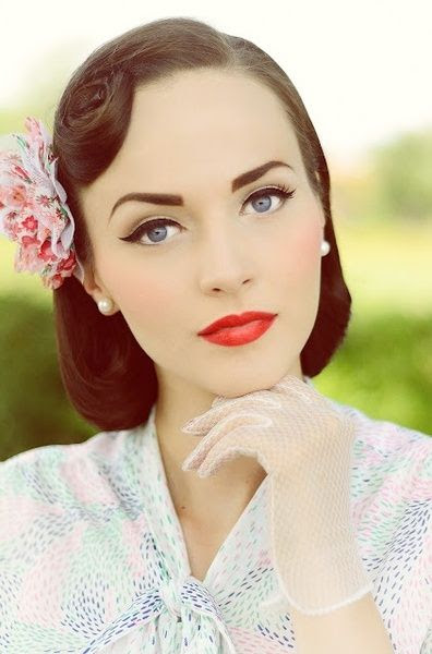 Amazingly perfect pinup face. Flawless skin, perfect liner, clean and bright red lip. DEAD.