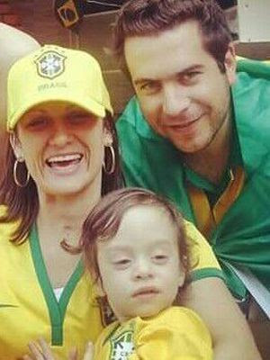 Letícia com o marido e filho (Foto: Letícia Costa / Arquivo Pessoal)