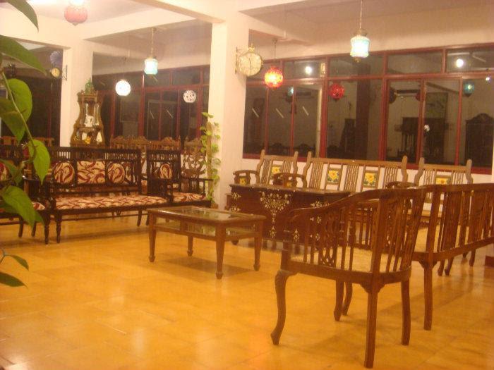 Antique Home Decor Furniture Thiruvananthapuram