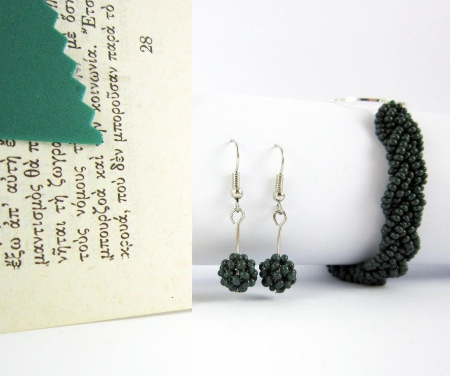 Deep green earrings and bracelet beaded set, green beaded balls, braided bracelet FREE wordlwide SHIPPING