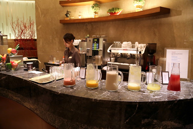 A juice/smoothie bar