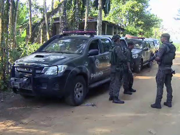 Operação policial procura bando que roubou shopping em Caraguatatuba (Foto: Reprodução/ TV Vanguarda)