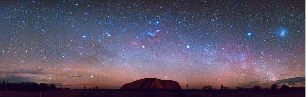 perierga.gr - Τα Μετέωρα ανάμεσα στις 8 κορυφαίες ιστορικές τοποθεσίες για να δείτε τα αστέρια!
