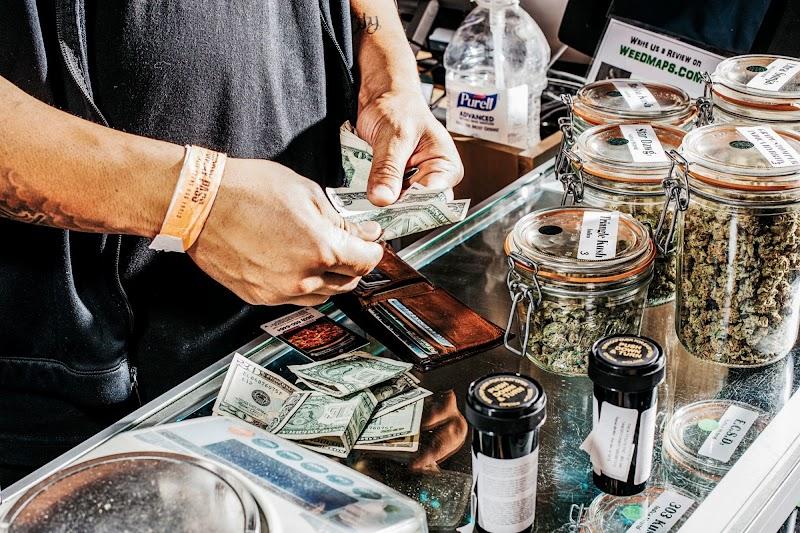 5 Safe Banking Alternatives For Cannabis Companies