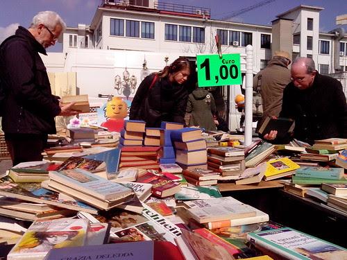 Alla ricerca del libro al costo di 1,00 €uro by Ylbert Durishti
