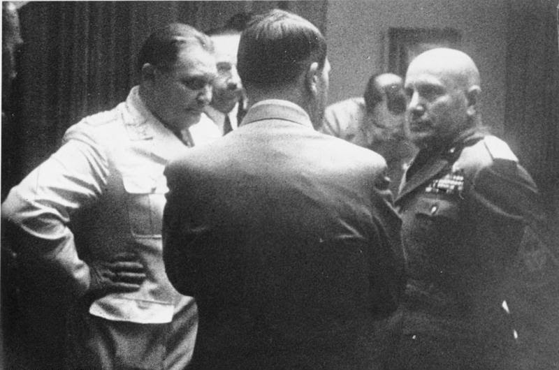 File:Bundesarchiv Bild 183-R98388, Münchener Abkommen, Hitler, Göring, Mussolini.jpg