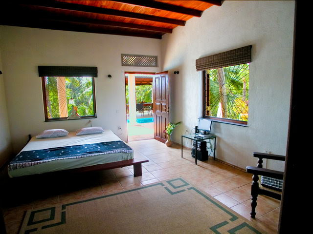 Sri  Lanka  Holiday Apartment in Hikkaduwa for rent
