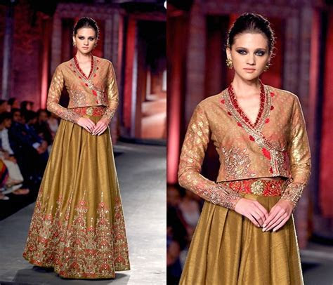 OMG! The Most Gorgeous Lehenga Blouse Designs for Bridal