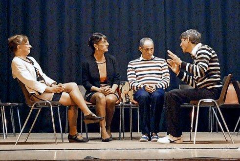 Quatre comédiens interprètent « Mireille et Matthieu deviennent vieux et vieille... et alors ». (Photo DR)