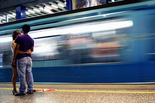 El amor existe en el metro by Alejandro Bonilla