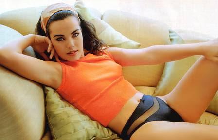 Ana Paula Arósio linda posando como modelo.