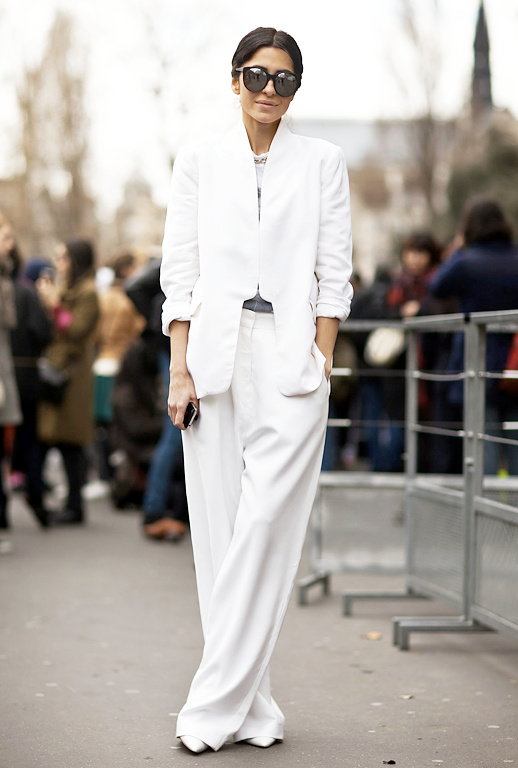 Ezgi Kiramer STREET STYLE PHOTO BY STOCKHOLM STREET STYLE ALL WHITE SUIT WINTER WHITE IILESTEVA MIRRORED METALLIC SUNGLASSES