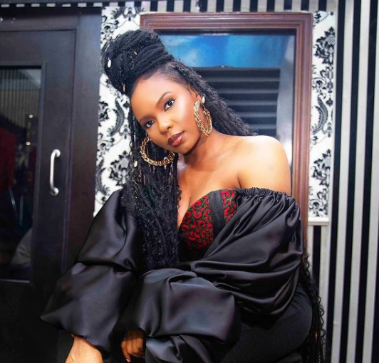 """""""So, This Is How Your Fave Artistes Suffer"""" – Yemi Alade Laments After Spending Millions On Gold Grills #Arewapublisize"""