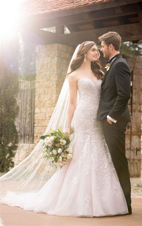 Mermaid Wedding Dresses   Sparkling Mermaid Wedding Gown
