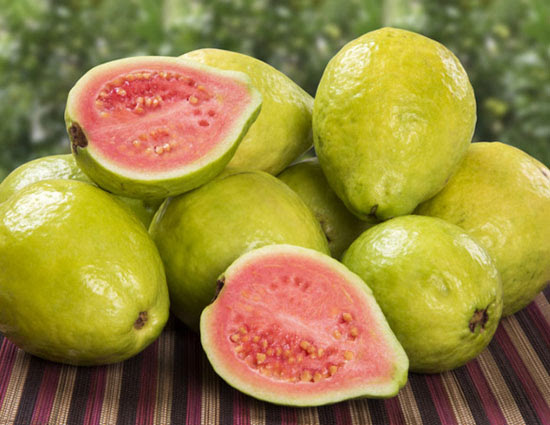 5 Benefits of Guava for Glowing Skin