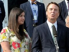 PHOTO: Former U.S. Sen. John Edwards addresses the media alongside his daughter Cate Edwards at the federal court May 31, 2012 in Greensboro, N.C.