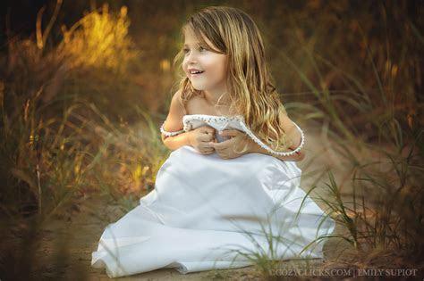 Little girl trash the wedding dress Phoneix (5)   Cozy