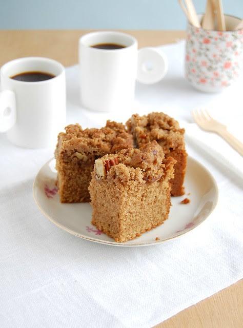 Lavish cinnamon brunch cake / Bolo cuca de canela