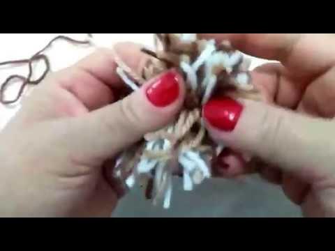 Parte 05: confecção de pompom para usar na pantufa/ esquenta pés, em tricô,  marrom (matizada)