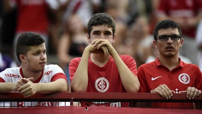choro torcida internacional fluminense (Foto: André Durão / GloboEsporte.com)