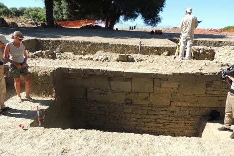 Un trozo de la muralla púnica descubierta en San Roque. | A.E.