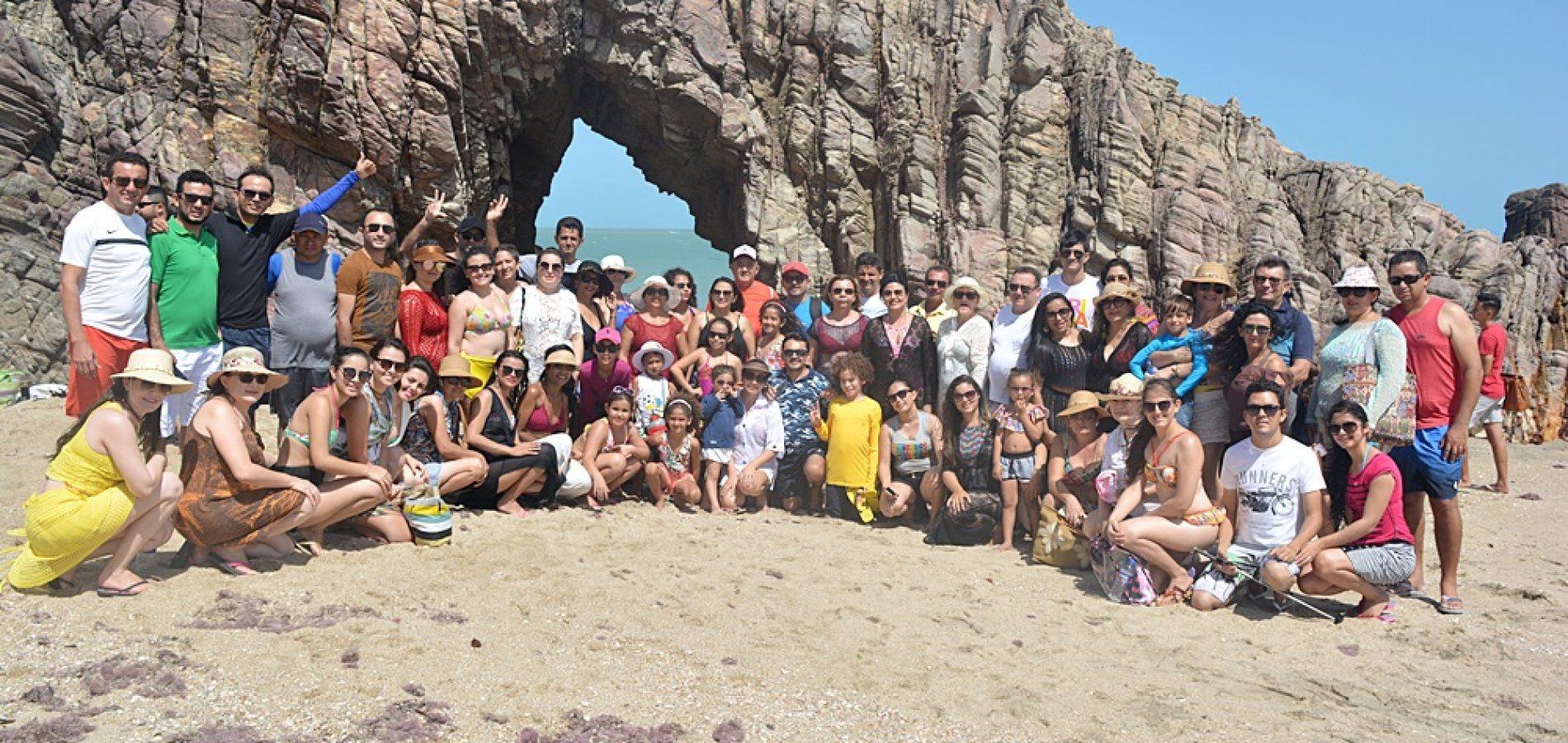 Com o apoio da Prefeitura, grupo de professores de Vila Nova do Piauí faz viagem ao litoral cearense; veja fotos