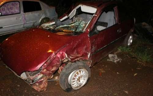 Nova Laranjeiras - Motorista perde o controle da direção de Corsa, sofrendo acidente