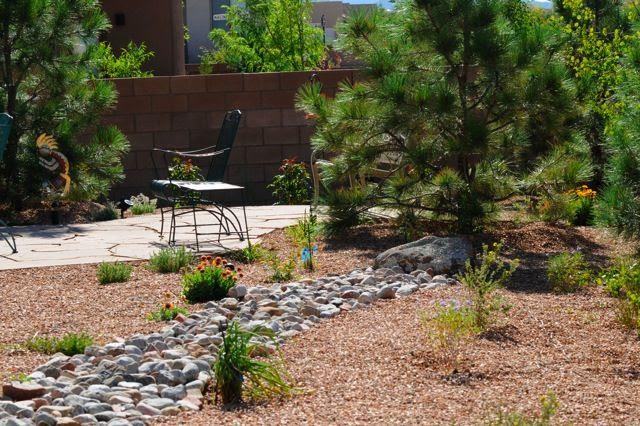 Small backyard desert landscaping ideas