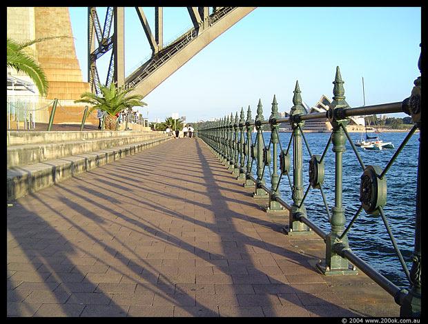 photo of the walkway beside sydney harbour
