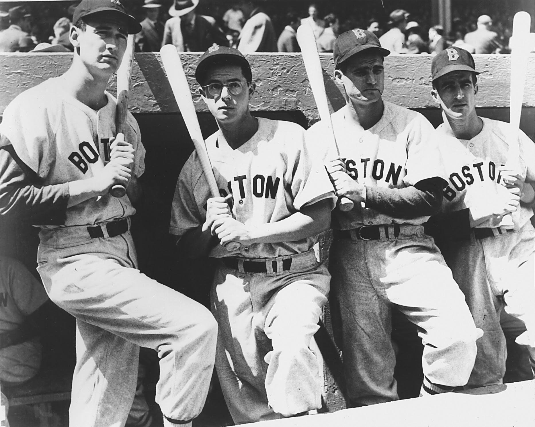 http://bostonbaseballhistory.com/wp-content/uploads/2014/04/Bobby-Doerr-2.jpg
