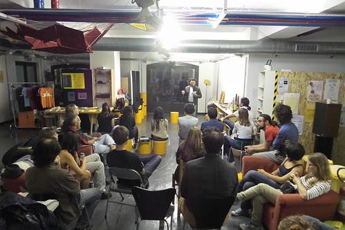 Il pubblico del #monologo del Baratto by Ylbert Durishti